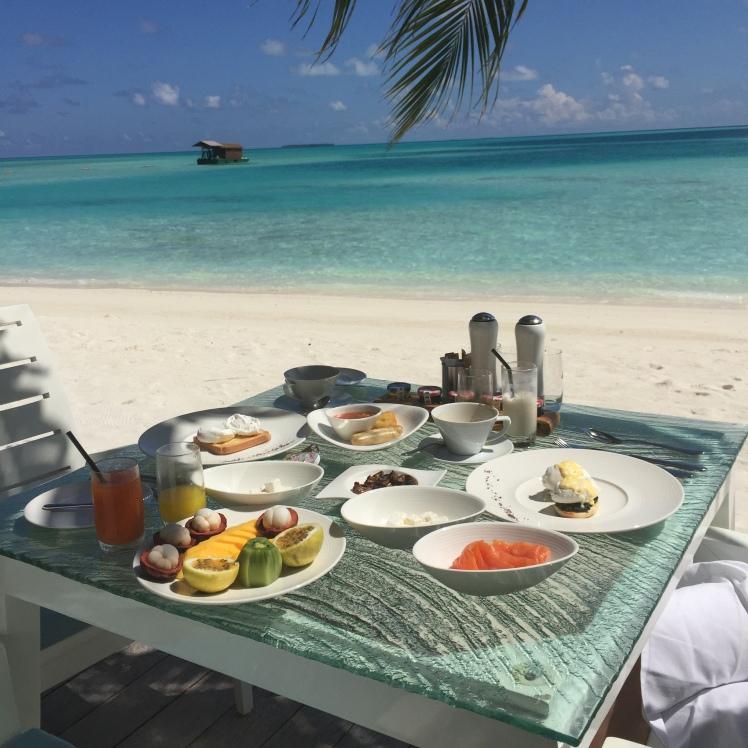 BREAKFAST,BEACH,VIEW,PARADISE,MALDIVES,CONRAD